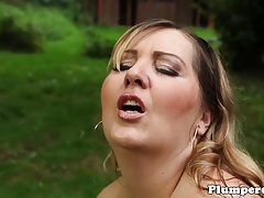 Outdoor swimsuit plumper facesitting before bj