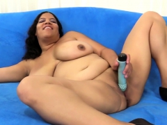 BBW Undresses and Pleases Herself with a Hitachi