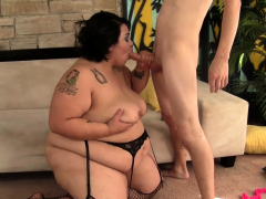 Tiny Dude Pummels Bitchy Bbw Mia Riley