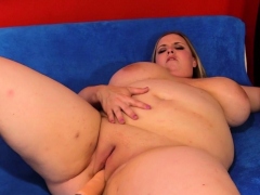 Plumper Nikky Wilder Torn up by a Machine