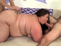 Plumper Bella Bendz Lets Them Use Every Hole