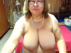 hefty breast mature with a nice hefty donk