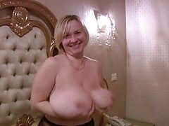 Uber-cute BBW with huge hanging mammories