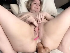Fleshy pussy close up fingering
