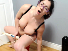 Loose Pussy Slut Going to bed Effectively Toys