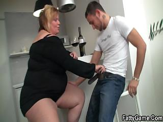 Plump chick seduces a suppliant with a GF