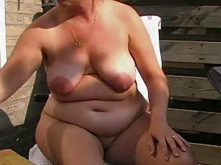 hot chubby mature with fat nipples fucks her holes