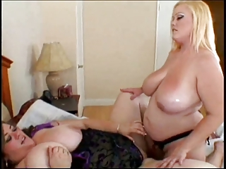 BBW lesbians strapons in stockings