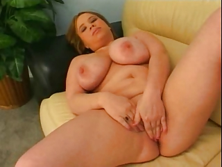 Fat Heavy GF love carrying-on wth her Heavy Confidential and Pussy