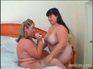 Lesbo BBW couple make mincemeat of big hot breast