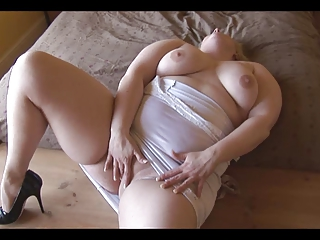Stunning smooth BBW plays with their way pussy