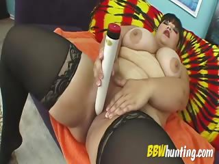 BBW seduces with lingerie plus toy