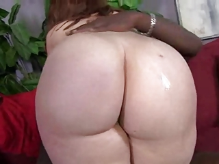 Honcho Voluptuous Redhead Fucks Huge Horseshit