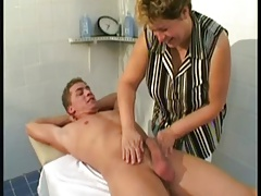 Mature Rubdown Thearpist Fucks Customer