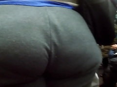 Plumper Teen booty in sweats