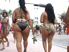 Two Big Booty Tarts At South Beach