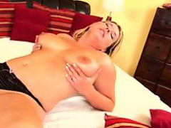 Thick natural tit mommy mastr Bettye from 1fuckdatecom
